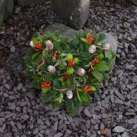 Heart grave posy with fir cones